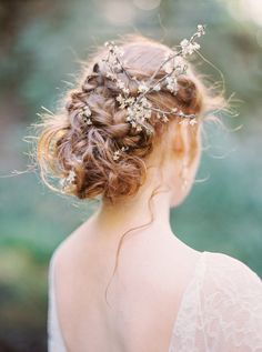 30 romantic rustic wedding hairstyles - my stylish zoo Rustic Wedding Hairstyles, Bride Hairstyles, Photomontage, Red Hair Freckles, Rose Foto, Rustic Wedding Foods, Wedding Hair Inspiration, Wedding Ideas, Makeup Inspiration