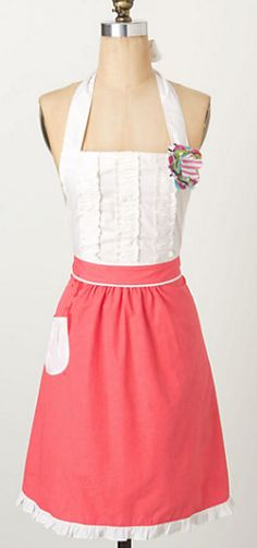 cute apron  http://rstyle.me/n/m8f9ipdpe