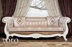 O canapea superba din lemn masiv si incrustatii perfecte realizata in stil oriental!  Pentru mai multe modele va invitam sa vizitati Showroom-ul nostru din Bd. Pipera nr.25A sau www.torodesign.ro