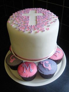 Covered in White Fondant, styled with tiny fondant blossoms in Pink and Purple with white centres. And a sprinkling of edible glitter. Dedication Cake, Fondant, Communion Cakes, Edible Glitter, Just Cakes, Cake Pictures, Occasion Cakes, Love Cake, Savoury Cake