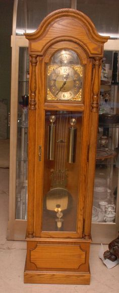 Howard Miller Oak Grandfather Clock 1970 S Lot 254 Clocks