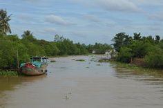 We worden positief verrast in de Mekong Delta. Het is hier minder toeristisch dan de gebieden ten noorden van de delta. Voor ons een mooie gelegenheid om deze drijvende wereld zelf op de bonnefooi te ontdekken. http://www.pimenjiska.nl/mekong-delta/