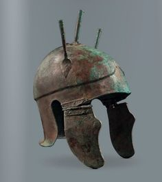 Panoply of cavalryman Attic Helmet century BCE. & Samnite armor Bronze. 4th century BCE. | Ancient Armour and Weapons ...