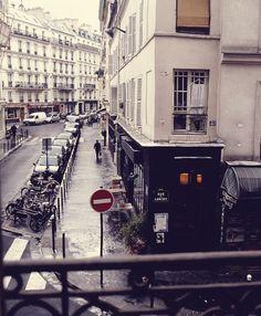 Outdoor Cafe Seating in Quebec City - Entouriste What A Beautiful World, Most Beautiful Cities, Beautiful Buildings, Parisian Apartment, Paris Apartments, Café Exterior, Parisian Architecture, Cafe Seating, Paris Home