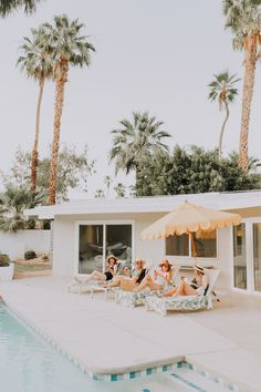 Palm Springs Bachelorette Party with Tropical Bohemian Vibes ⋆ Ruffled - Tropical bohemian bachelorette party ideas at this Palm Springs bash! Classy Bachelorette Party, Bachelorette Party Decorations, Bridal Shower Decorations, Bachelorette Games, Bachelorette Weekend, Festival Looks, Palm Springs Houses, Palm Springs Pool Party, Spring Wedding