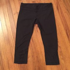 Lululemon athletica wonder under crop size 12 Fairly new. Only had for a few months. Worn maybe 5 times. Perfect condition. lululemon athletica Other