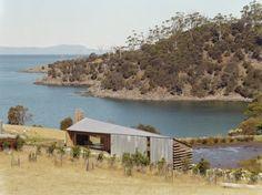 John Wardle Architects - Bruny Island Tasmania John Wardle, Bruny Island, Australian Architecture, Tasmania, Sheds, Architects, Environment, Exterior, Cabin
