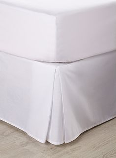 Shop the Best Bed Skirts & Pillow Shams Online in Canada | Simons