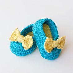 Lemon Drop Baby Booties Crochet Pattern (FREE) - http://pinterest.com/Allcrochet