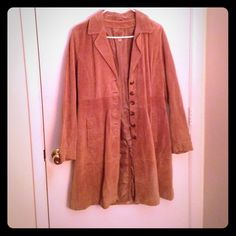 🍂HP🍂 Tan Wilsons Leather Coat Tan Wilsons Leather coat. Size medium. Crafted in China. Shell is genuine leather and the lining is 100% nylon. Must be taken to a special leather cleaner. Coat has buttons and pockets. Has never been worn, but it does not have the tags. Wilsons Leather Jackets & Coats Trench Coats