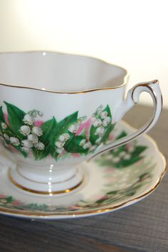 QUEEN ANNE Vintage Bone China Tea Cup and Saucer made in England Lily of the Valley