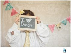 Father's Day Photo Shoot- dress your kids up in Daddy's shirt and tie!  www.phillybabyphotography.com