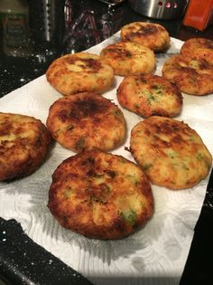 C'est Bon, Tandoori Chicken, Muffin, Breakfast, Ethnic Recipes, Food, Baked Potato With Cheese, Cooking Recipes, Dish