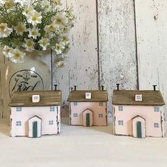 Pink for valentines. #shabbydaisies #shabbychic #pinkcottage#cottage#woodenhouse #handmade #cottage#littlehouse #valentinesday