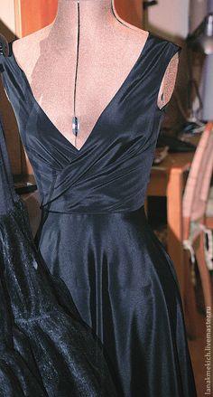 """Купить Платье """"Одри"""" - чёрный, однотонный, Платье из шелка, платье в стиле 60-х"""