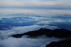 2014-09-17 clouds 唐松岳登山中の景色です。雲の上に立っていました。とっても気持ちよかったです~♪♪