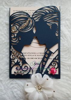 Diy Cards Discover Really beautiful wedding Invitation/weddins/lasercut/bodas/invitacionesboda Indian Wedding Invitation Cards, Creative Wedding Invitations, Beautiful Wedding Invitations, Cricut Invitations, Engagement Invitations, Card Table Wedding, Wedding Card Design, Wedding Cards Handmade, Wedding Gifts