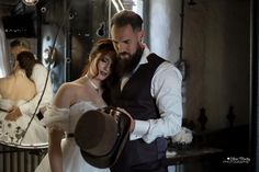 Pour toujours Film D'action, Steampunk Wedding, Another World, Wild West, Pretty Little, Poses, Music, Wedding Inspiration, Old Fashioned Wedding