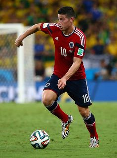 James Rodriguez - Brazil v Colombia: Quarter Final - 2014 FIFA World Cup Brazil - for me, the best player in this tournament Football Icon, World Football, Cristiano Ronaldo, James Rodriguez Colombia, Claudio Marchisio, Fifa 2014 World Cup, American Football League, Rugby Men, Soccer Boys