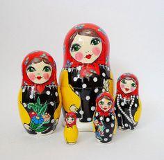 Anidación de babushka muñecas matryoshka de madera por FolkSouvenir
