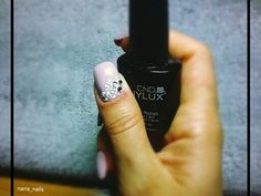 #acrylic#nails#mysticnailwhite#vinylux#cnd