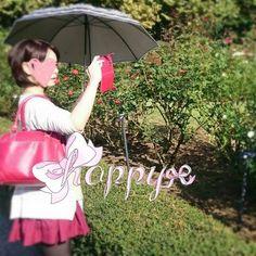 【gourmet_aya】さんのInstagramをピンしています。 《◆新宿御苑◆ 東京 新宿  新宿にもこんな自然を見る場所があるとは恥ずかしながら知りませんでした😅  口紅💄が撮れてたからか私の唇にバラ🌹が入り込んで紅色にしてくれてるみたい😌  と言っても食べたものは博多ラーメン ニンニク大玉3個しぼり撮れた👄😱 まずはこんな空気の綺麗な空間をニンニク臭にしてしまったことに🙇🙇🙇 #新宿御苑#日本#東京#新宿#自然#景色#風景#癒し#森林#木#ばら#薔薇#ローズ#口紅#💄#紅色#パワー#Instagram#インスタグラム#写真#photo#pic#Japan#tokyo#博多ラーメン#豚骨#ニンニク#空間》