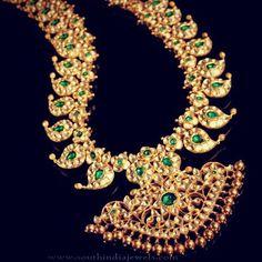Gold Mango Mala From Hiya Designer Jewellery ~ South India Jewels Antique Jewellery Designs, Victorian Jewelry, Jewelry Design, Designer Jewellery, Mango Mala Jewellery, Gold Jewellery, Jewellery Photo, India Jewelry, Jewelry Shop