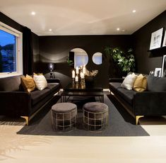 decor ideas-luxe-interior design-home-decor-living Black is often thought of as a glamorous shade. When used as a background makes the area seem to recede appearing smaller and further away. Shop Interior Design, Luxury Interior, House Design, Burgundy Living Room, Stylish Home Decor, House Rooms, Beautiful Interiors, Living Room Decor, New Homes