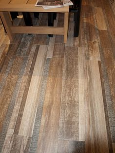 We also join wood effect porcelain tile! This floor is made with the new #1327 series. What do you think about?