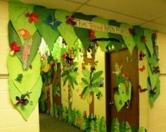Rainforest Classroom -- Trees/Decoration education-ideas-and-inspiration Classroom Tree, Classroom Displays, Classroom Decor, Classroom Design, Rainforest Classroom, Rainforest Theme, Rainforest Animals, Preschool Jungle, Jungle Tree