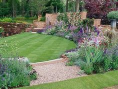 20 Inspiring Backyard Landscaping Ideas #garden #gardenideas #landscapeideas