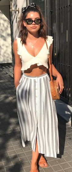 Casual fashion summer outfits 2019 - Women's fashion and Women's Bag trends Summer Fashion Outfits, Holiday Outfits, Spring Outfits, Trendy Outfits, Holiday Fashion, Fashion Spring, Look Fashion, Skirt Fashion, Trendy Fashion