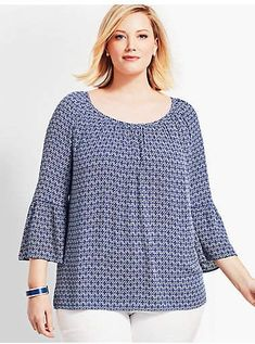Shop Talbots for modern classic women's styles. You'll be a standout in our Woman Exclusive Lightweight Gauze Tunic-Diamond Geo - only at Talbots! Plus Size Dresses, Plus Size Outfits, Night Gown Dress, Dress Over Pants, High Neck, Kebaya Dress, Classic Style Women, Modern Classic, Modelos Plus Size
