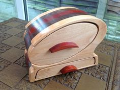 Big Chicago Double Bandsaw Box x x Woodworking Bandsaw, Bandsaw Box, Woodworking Crafts, Wooden Puzzle Box, Wooden Boxes, Box Patterns, Scroll Saw Patterns, Barn Quilt Designs, Quilting Designs