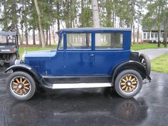 1923 Earl - Earl Motors Inc. in Jackson, Michigan made cars from 1921-1923. Benjamin Briscoe of Briscoe Motors appointed Clarence Earl as president of his company in 1921. Earl was given the company the same year after Briscoe tired of it. Earl assumed many problems w/ the company including 1.5 million dollars in debt. Earl resigned in Nov. 1922 over disagreements w/ his board members; many of which were his company's bankers / backers. The board failed as well taking the company down in…