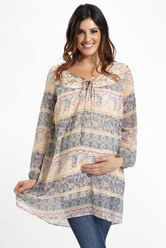 From one occasion to the next, this printed chiffon maternity tunic features a delicate lace detailing to make this the most versatile piece in your spring wardrobe.