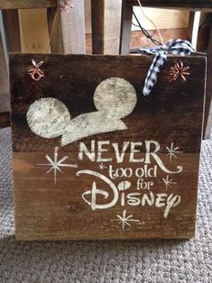 Rustic Barnwood Disney Sign Two Day Priority Shipping Rustic and unique barnwood designs. All signs are hand made, hand crafted, and hand painted. Every piece is unique and made to order. Crafts For Teens, Crafts To Sell, Diy And Crafts, Sell Diy, Disney Crafts For Adults, Easy Crafts, Crafts To Make And Sell Unique, Disney Christmas Decorations, Disney Home Decor