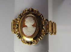 VINTAGE-VICTORIAN-STYLE-BOOK-CHAIN-CAMEO-BRACELET-GOLD-PLATE