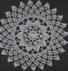 This Pin was discovered by nil Filet Crochet, Crochet Doilies, Knit Crochet, Snowflake Pattern, Doily Patterns, Lace Bedroom, Bedroom Sets, Unique Crochet, Point Lace