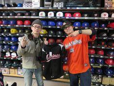 【ベースボール館】2015.02.15 台湾からご来店頂きました\(^o^)/ロッテのユニフォームがとてもお似合いです☆またのご来店お待ちしております♪♪