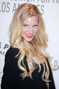 Heather Morris wows with wavy, blonde hairstyle