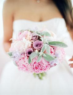 Bouquet | Shades of pink + lavender | Peony | Photography: Max Koliberdin