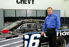 NASCAR champion Rusty Wallace takes you on a video tour demonstrating why he loves Lista Personal Space solutions.
