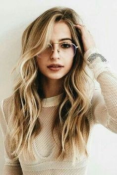 Girls with Glasses ❤