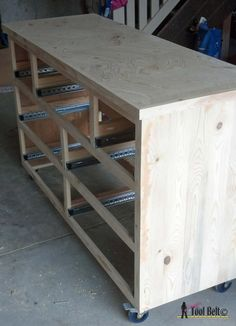 Build a roomy 7 drawer dresser with these step by step free woodworking plans. This gray two-toned dresser was build from pallet wood! Large Dresser, 7 Drawer Dresser, Wood Dresser, Modern Dresser, Dressers, Diy Chest Of Drawers, Nightstand, Outdoor Furniture Plans, Woodworking Furniture Plans