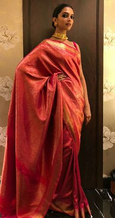Deepika Padukone Deepika In Saree, Deepika Padukone Saree, Manish Malhotra Saree, Choli Dress, Bridal Lehenga Choli, Simple Sarees, Trendy Sarees, Indian Dresses, Indian Outfits
