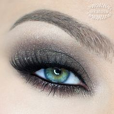 Our new Splurge Cream Eye Shadow would be perfect to recreate this look! This would be a great eye look for an upcoming Christmas party! It definitely adds the drama!