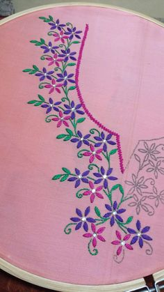 Hand Embroidery and Its Types - Embroidery Patterns Hand Embroidery Videos, Hand Embroidery Flowers, Embroidery Stitches Tutorial, Hand Work Embroidery, Embroidery On Clothes, Flower Embroidery Designs, Creative Embroidery, Simple Embroidery, Embroidery Patterns Free