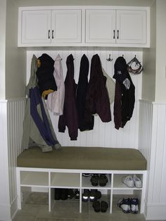 The mud room is an area used for making messy or casual entrances. A mud room may be an entryway or one that is separate from other rooms. Uncover the various mud room sizes you can use and how to organize it. Front Closet, Hall Closet, Closet Space, Halls Pequenos, Small Entryways, Cubbies, Mudroom Shelf, Closet Mudroom, Closet Redo