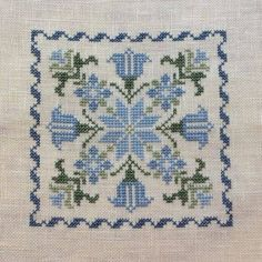 This post was discovered by Huong. Discover (and save!) your own Posts on Unirazi. Just Cross Stitch, Cross Stitch Art, Cross Stitch Borders, Cross Stitch Flowers, Cross Stitch Designs, Cross Stitching, Cross Stitch Embroidery, Embroidery Patterns, Cross Stitch Patterns